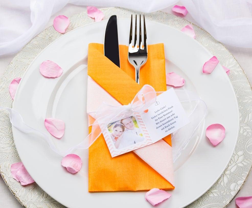 Tischdeko Hochzeit Besteck Foto des Brautpaares
