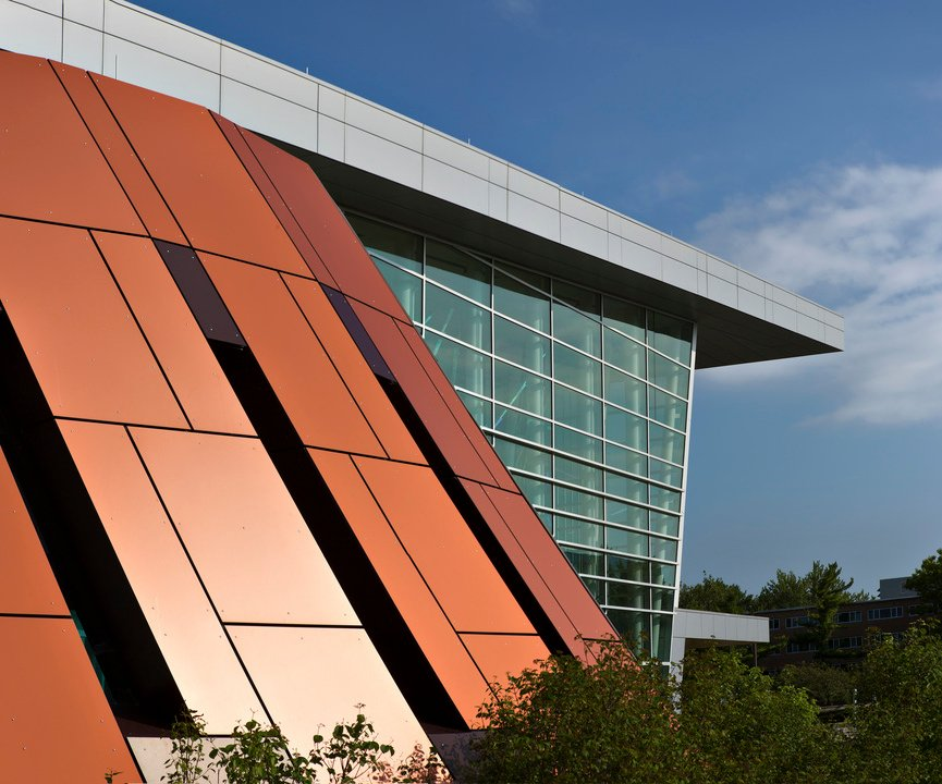 HPL Platten für einen futuristischen und minimalistischen Look Ihrer Fassade!