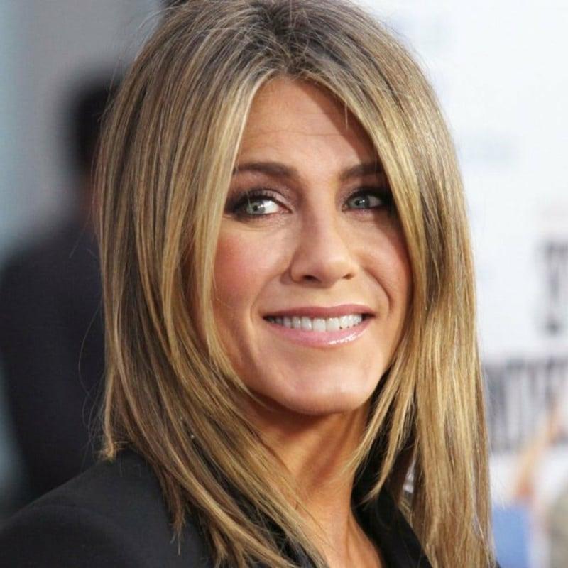 moderne Frisur Mittelscheitel Jennifer Aniston