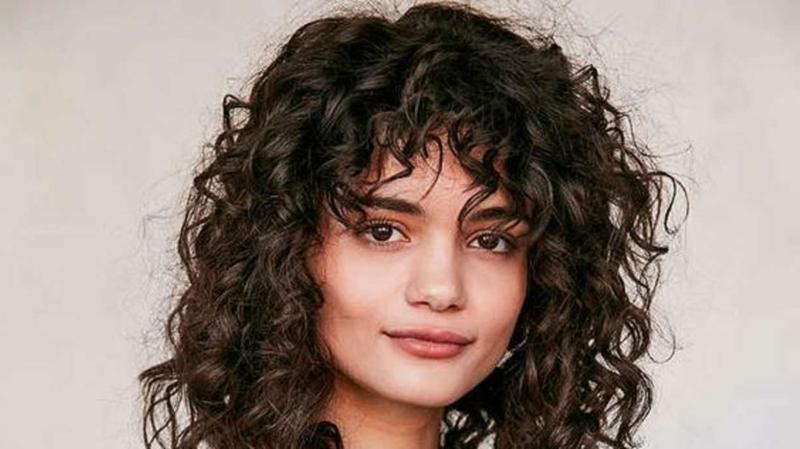 lockige Haare moderne Frisuren