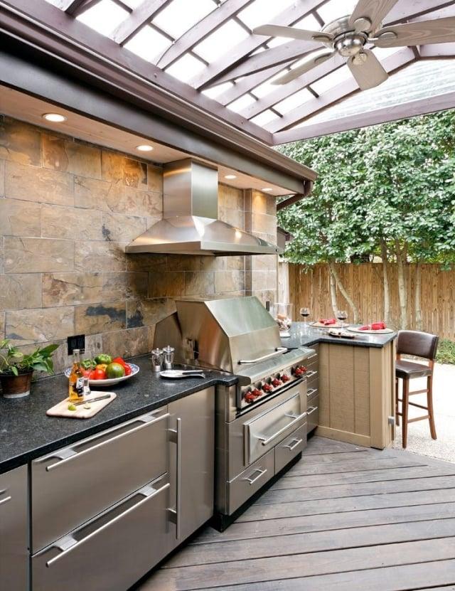 Outdoor Küche einrichten Geräte auswählen