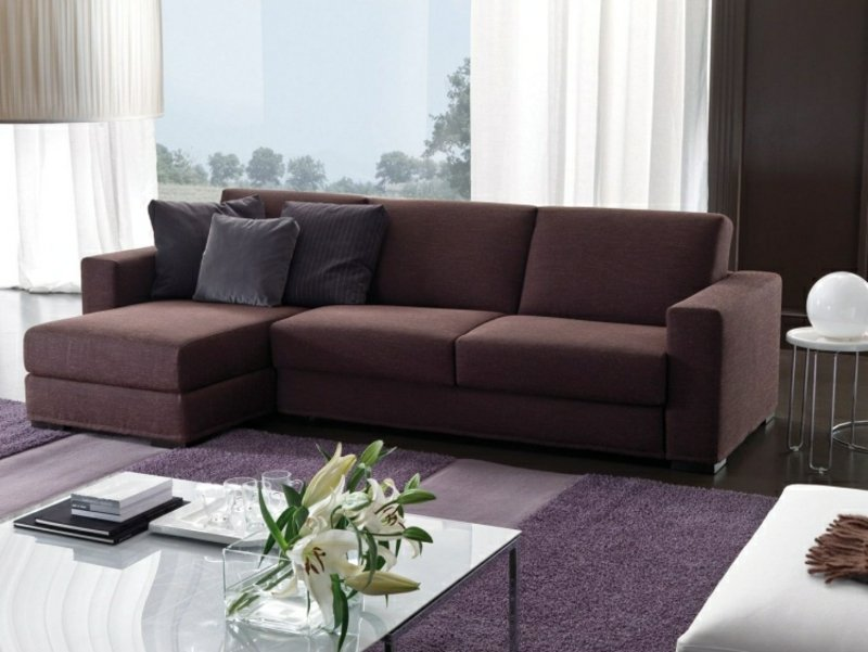 elegantes Sofa lila ausklappbar Bettmechanismus