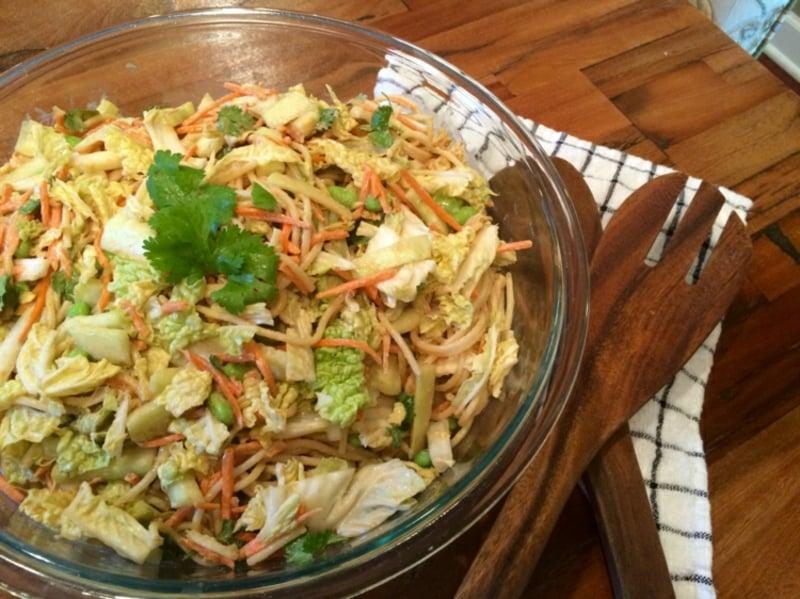 Nudelsalat mit Chinakohl und Karotten Rezept