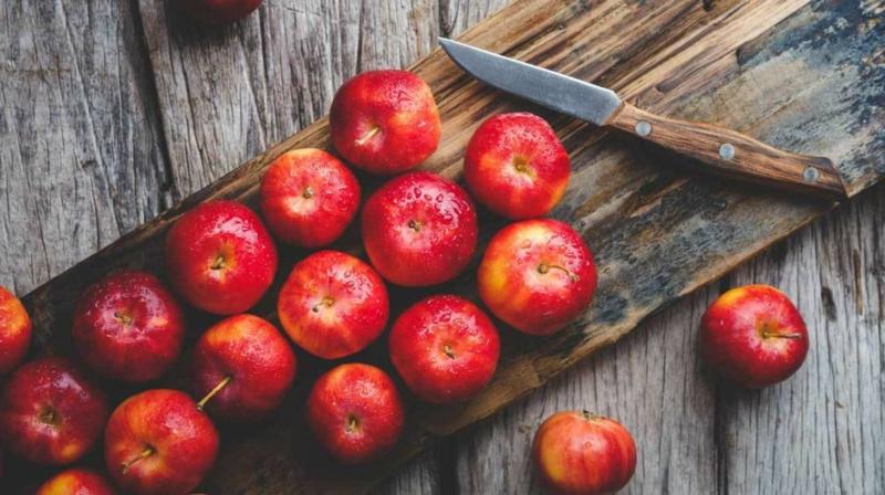 Peeling mit Apfel für den ganzen Körper