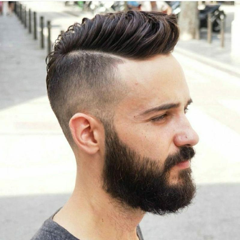 Pompadour Haarschnitt Seitenscheitel stilvoll
