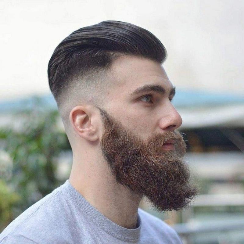 elegante Frisuren mit Vollbart Pompadour