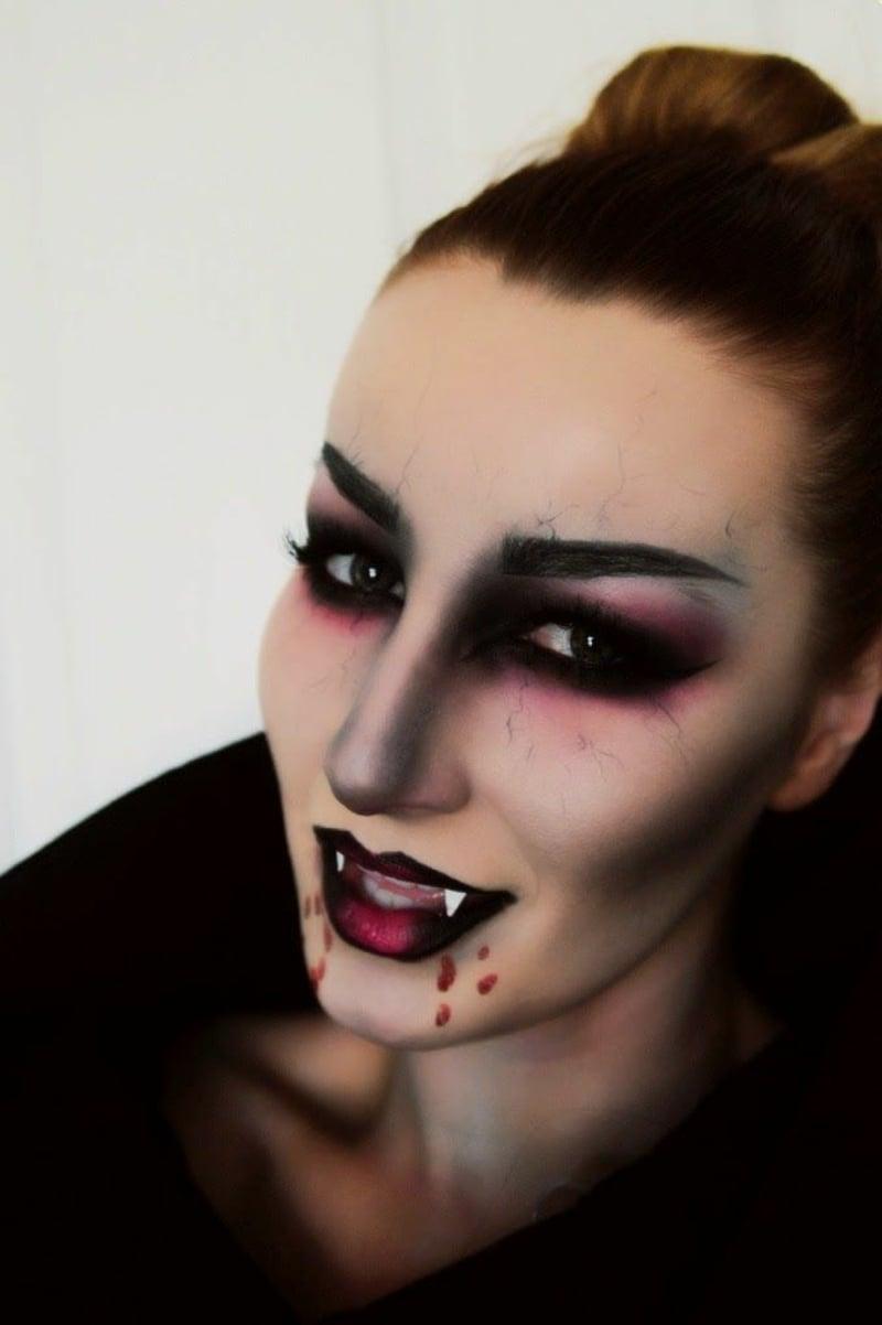 Vampir Make-up Smokey Eyes künstliche Zähne