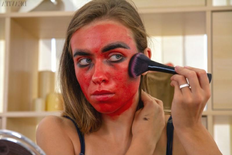 Dämon Make-up Wangenknochen betonen