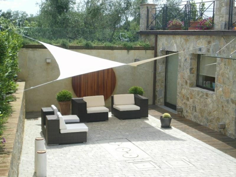 Sonnensegel Terrasse Sitzplatz Rattanmöbel