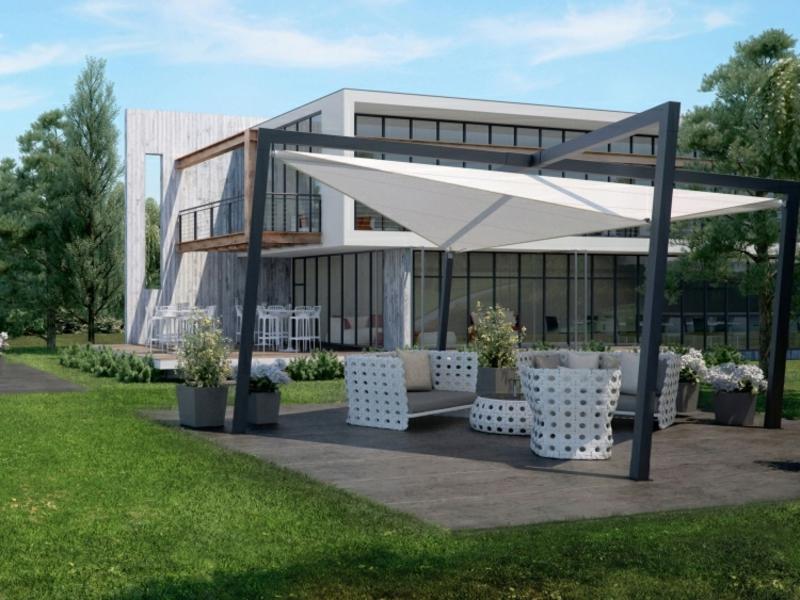 Terrasse modern gestalten Sommer Sonnensegel