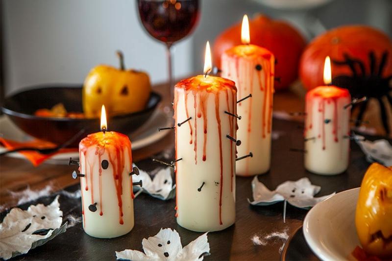Halloween Deko blutige Kerzen mit Nägeln