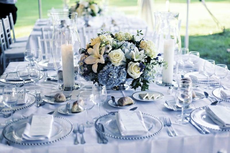 Tischdeko Hochzeit Weiß Hellblau super stilvoll