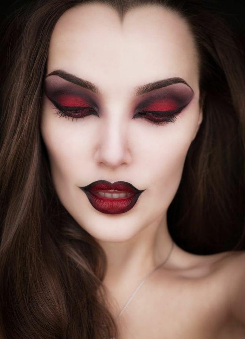 eindrucksvolles Vampir Make-up selber machen