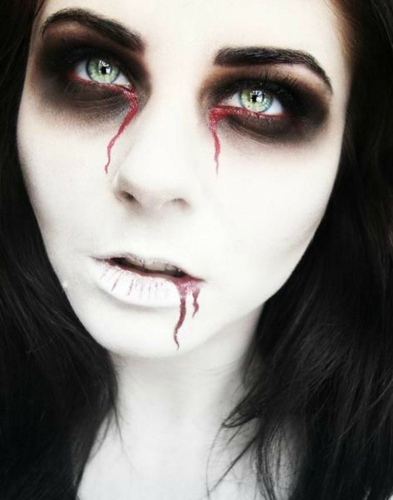 Vampir Make-up DIY echt schaurig