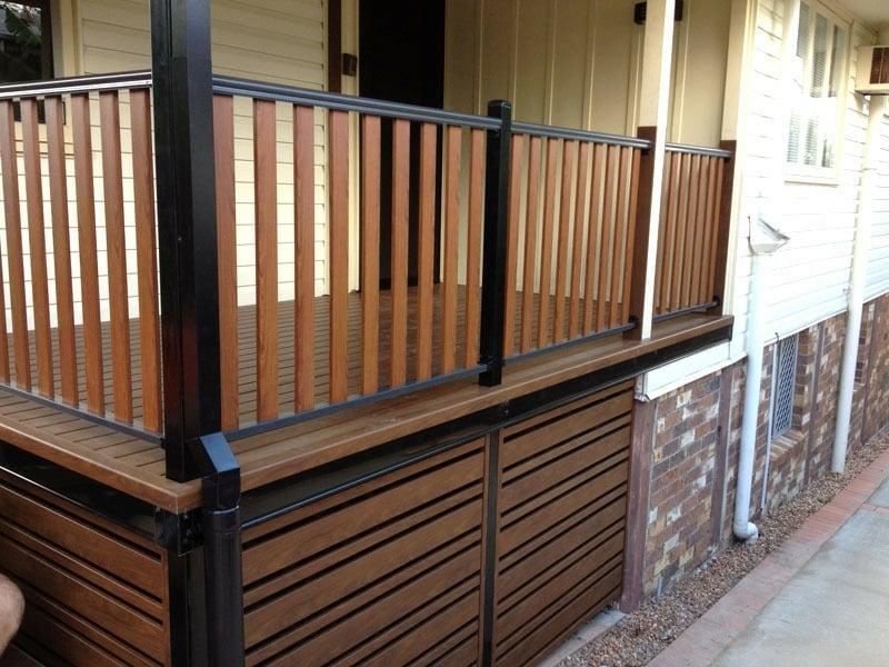 Balkonverkleidung Holz Landhausstil
