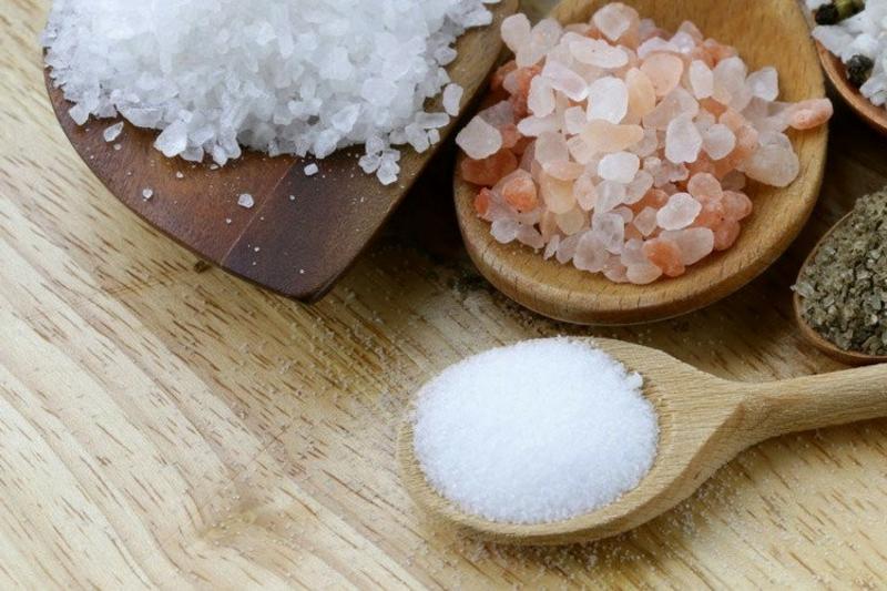 verschiedene Salzarten Himalaya Salz