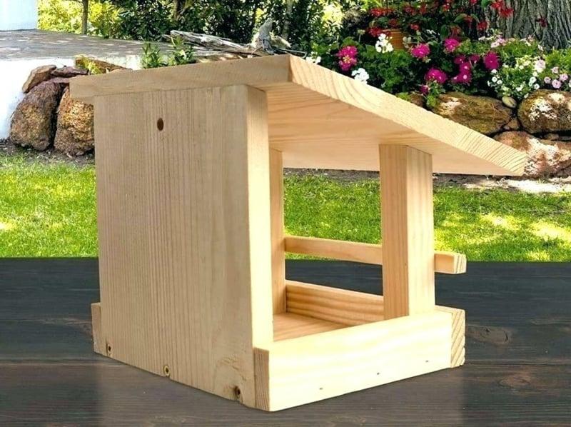 Vogelhaus bauen aus Holz Anleitung