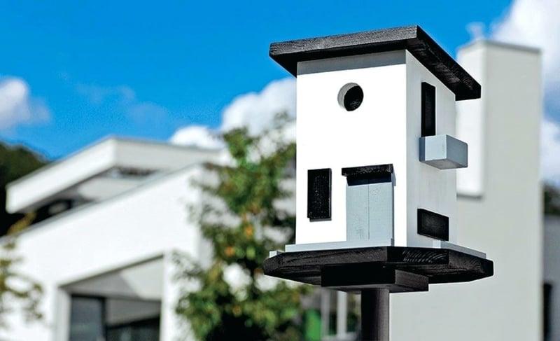 Vogelfutterhaus selber bauen aus Holz klassisch