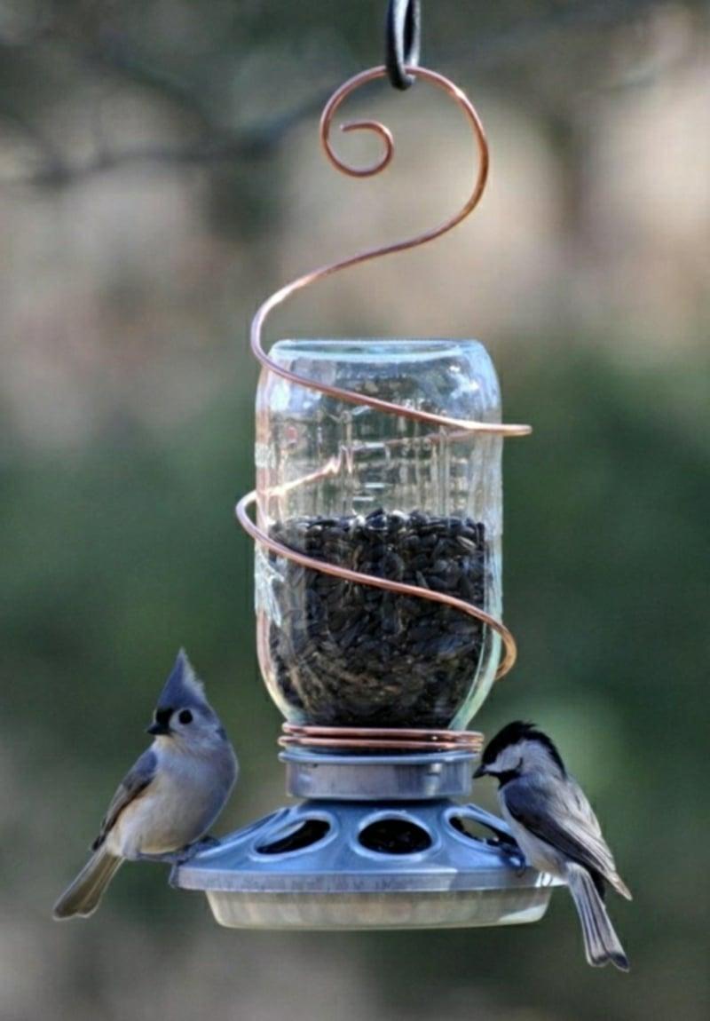 Vogelfutterhaus Flasche Draht originelle Idee