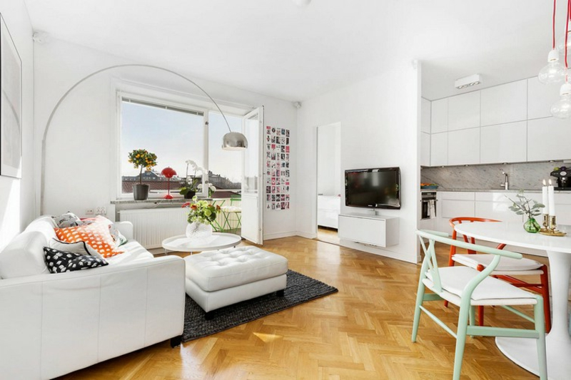 weißes Ledersofa modernes Wohnzimmer