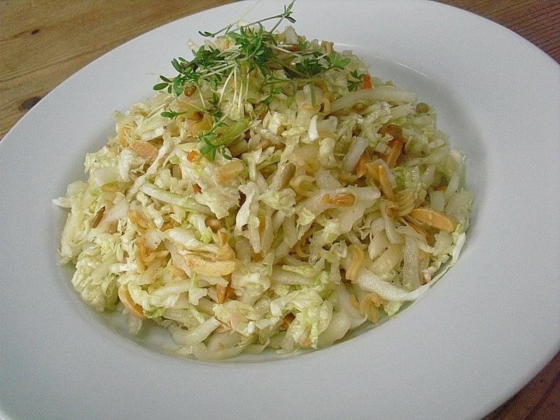 Asia Nudelsalat gesundes Mittagessen