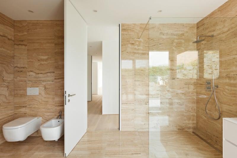 begehbare Dusche Badezimmer Einrichtung stilvoll