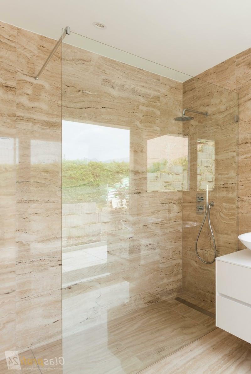 moderner Duschbereich Marmor Fliesen