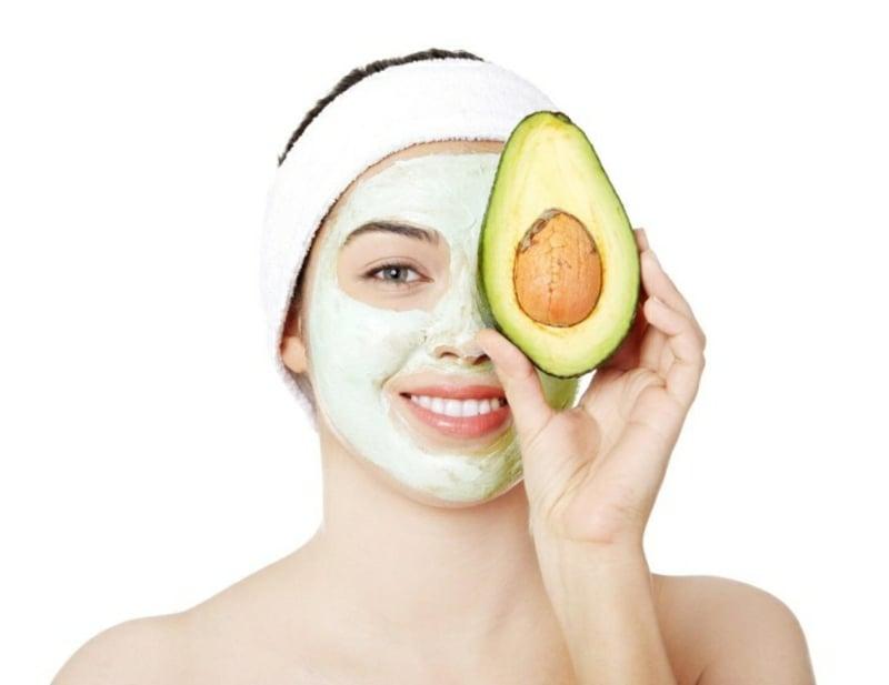 Gesichtsmaske mit Avocado DIY