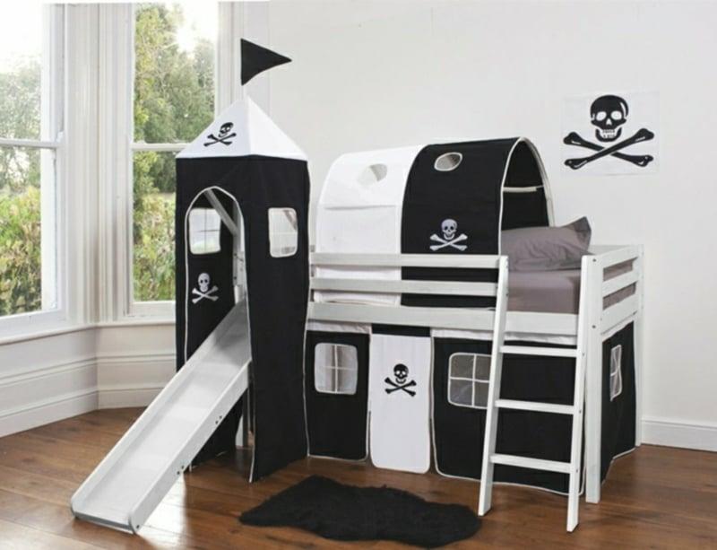 Kinderbett dekorieren Junge Piratenschiff