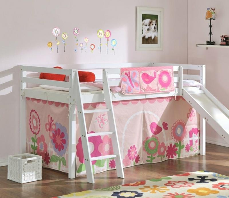 Hochbett mit Rutsche Kinderzimmer tolle Dekoidee
