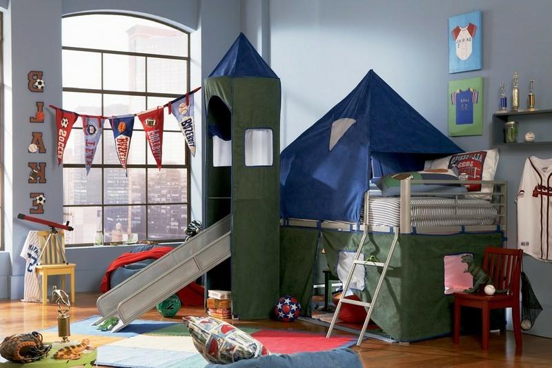 Hochbett mit Rutsche Kinderzimmer wie ein Schloss dekoriert
