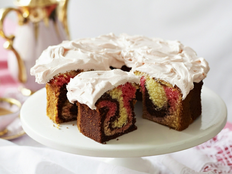Kuchen backen Lebensmittelfarbe Schmandcreme