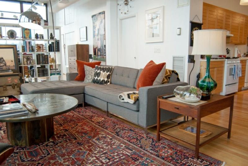 Perserteppich Wohnzimmer graues Sofa