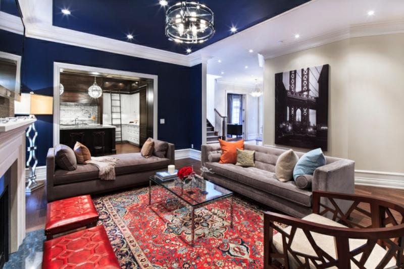 Perserteppich modernes Wohnzimmer Wandfarbe Tiefblau