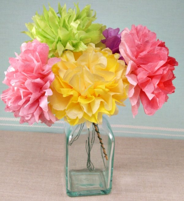Blumen basteln Tischdeko Seidenpapier