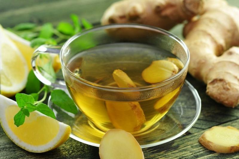 Detox Tee mit Ingwer und Zitrone lecker gesund