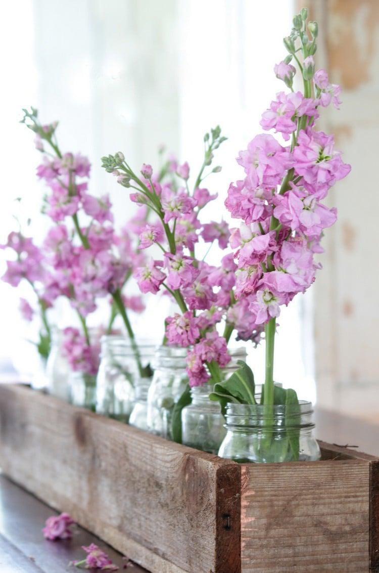 Frühlingsdeko aus Holz selber machen Blumenkasten herrlicher Look