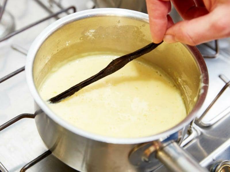 Vanillesoße Rezept im Topf Vanilleschote