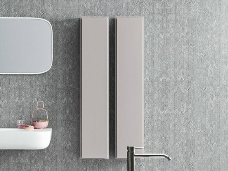 Badezimmerschrank hängend minimalistisch