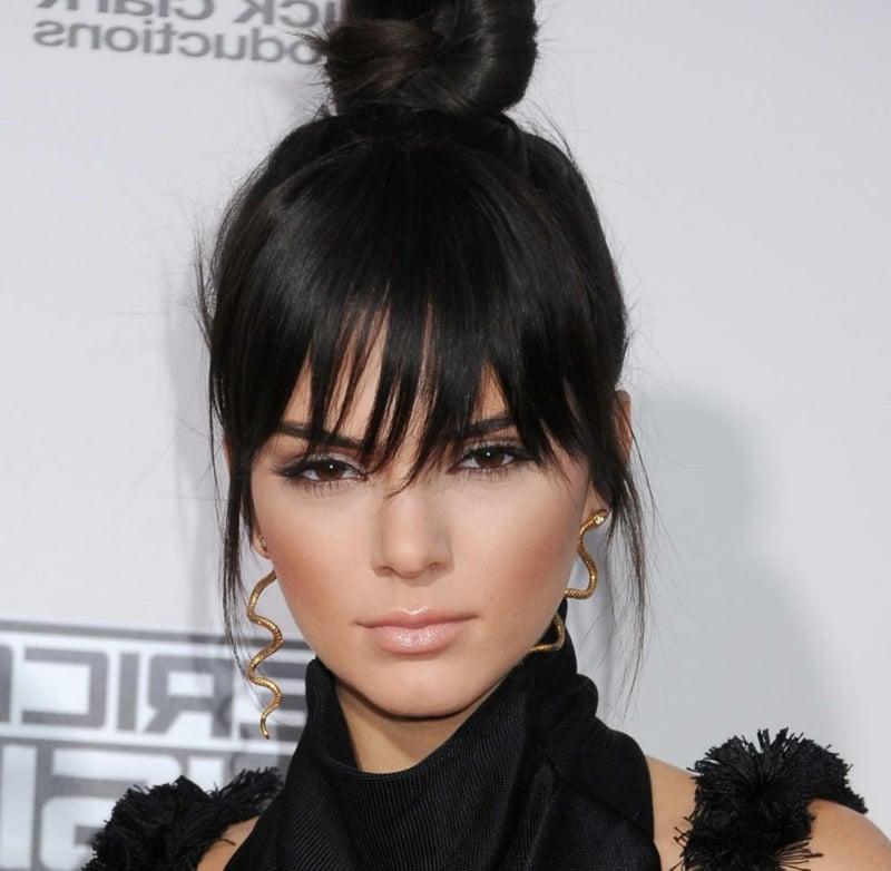 Pony selber schneiden lang Kendall Jenner