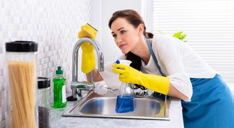 Spülbecken reinigen Tipps und Tricks