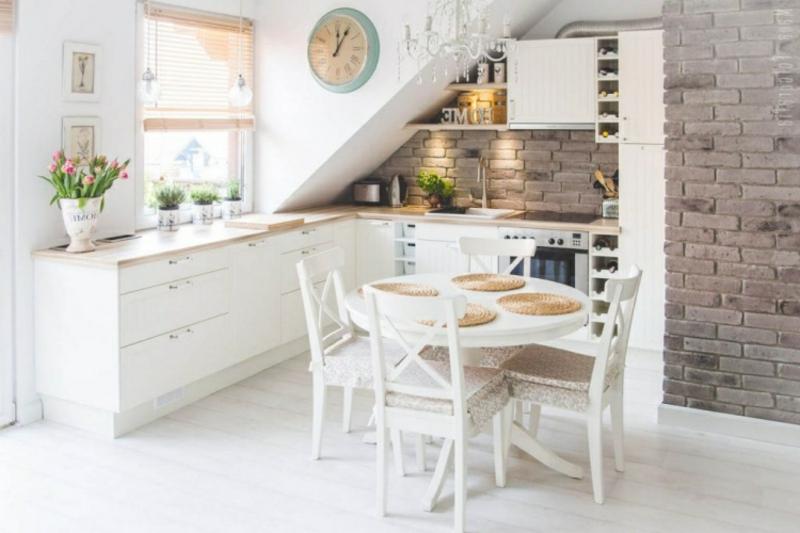Küchentisch weiß gestrichen runde Form