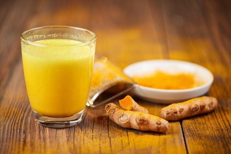 goldene Milch trinken Vorteile