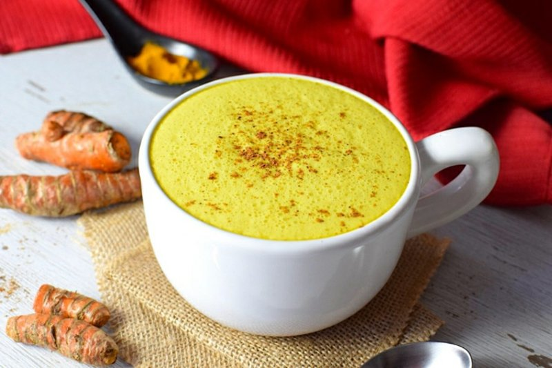 warme Getränke Winter Goldmilch