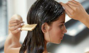 Haare colorieren der Packungsanweisung folgen