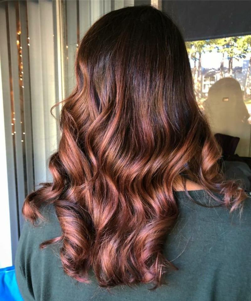 Haarfarbe Karamellbraun prachtvolle Haare