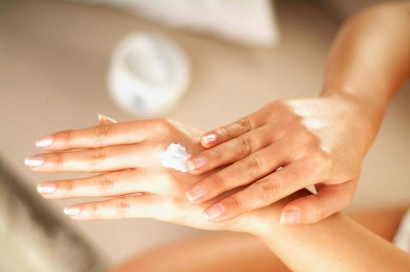 Kokosöl zur Hautpflege verwenden