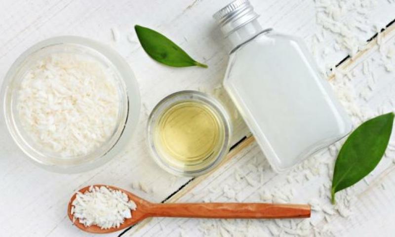 Kokosnussöl Zähne putzen und aufhellen