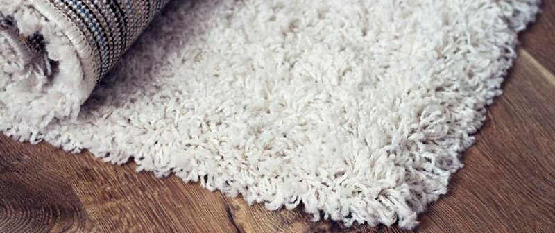 Teppichboden putzen mit Hausmitteln