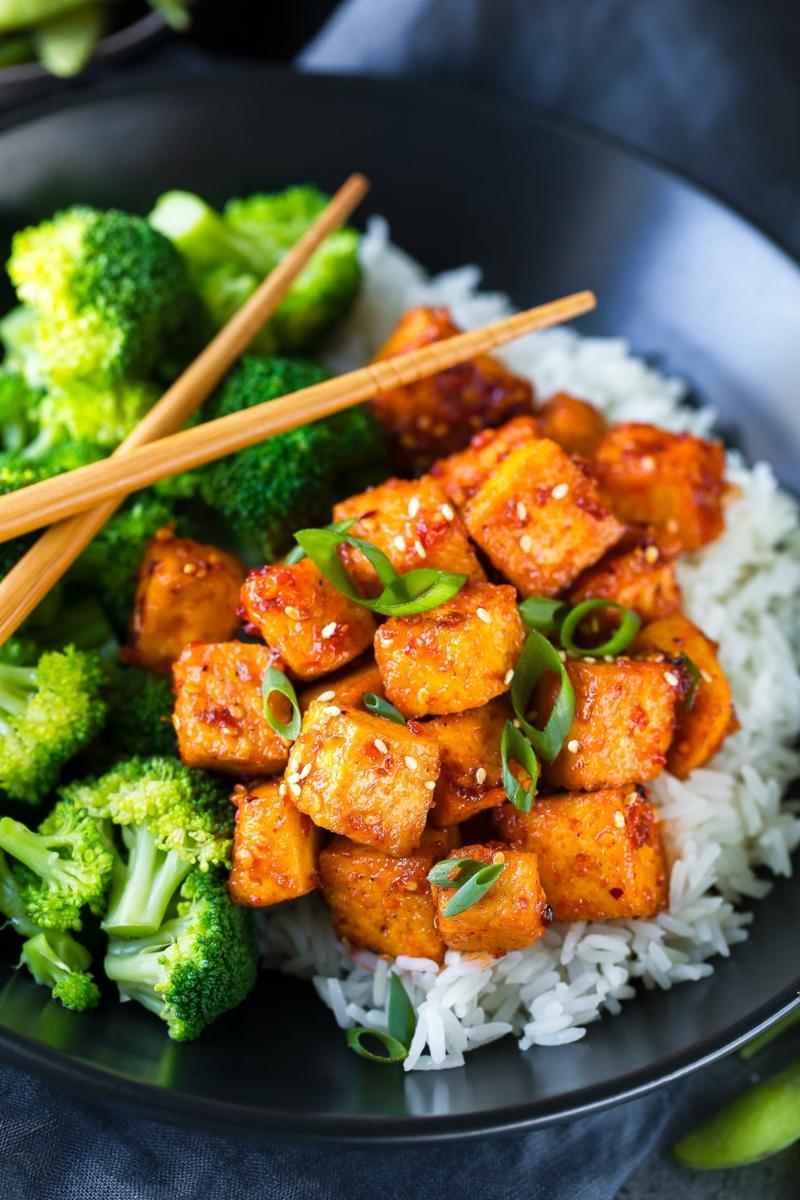 Tofu gegrillt mit Brokkoli und Reis